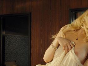 Laetitia Casta nude - Gainsbourg (2010)