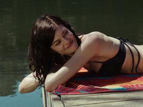 Rachel Melvin sexy - Zombeavers (2014)