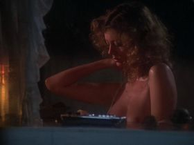 Susan Sarandon nude - Atlantic City (1980)