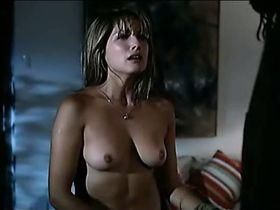 Maria Elena Swett nude, Silvia Fominaya nude, Maria Eugenia Larrain nude - Rojo intenso (2006)