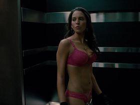 Elizabeth Banks sexy, Genesis Rodriguez sexy - Man on a Ledge (2012)