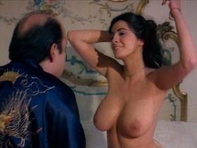 Gloria Guida nude, Donatella Damiani nude, Lorraine De Selle nude - La liceale seduce i professori (1979)