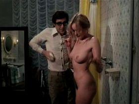 Gloria Guida nude - L'affittacamere (1979)