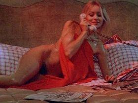 Gloria Guida nude - Indagine su un delitto perfetto (1978)