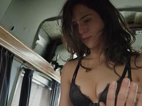 Holly Deveaux sexy - Mutant World (2014)