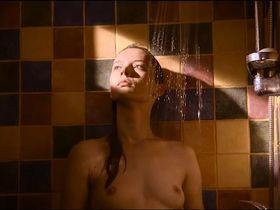 Julija Steponaityte nude, Aiste Dirziute nude - Sangailės Vasara (2015)