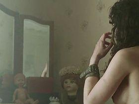 Karina Testa nude - Frontier(s) (2007)