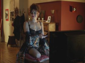 Laetitia Casta sexy, Audrey Dana sexy, Audrey Fleurot sexy - Sous les jupes des filles (2014)