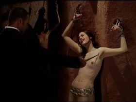 Marie Espinosa nude - Gradiva (2006)