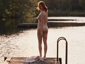 Marie-Josee Croze nude, Marina Hands sexy, Kristin Scott Thomas nude - Ne Le Dis A Personne (2006)