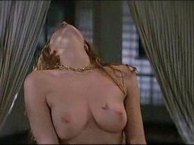 Nadia Fares nude, Stefania Rocca nude - Poliziotti (1994)