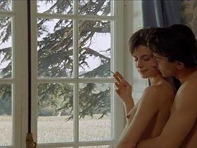Nastassja Kinski nude - Maladie d'amour (1987)