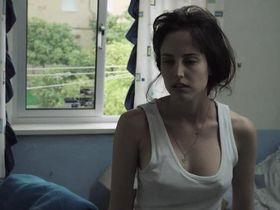 Natalia de Molina sexy - Techo y comida (2015)
