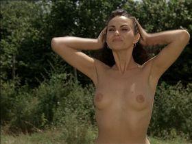Ramona Badescu nude - Le Nuove Comiche (1994)