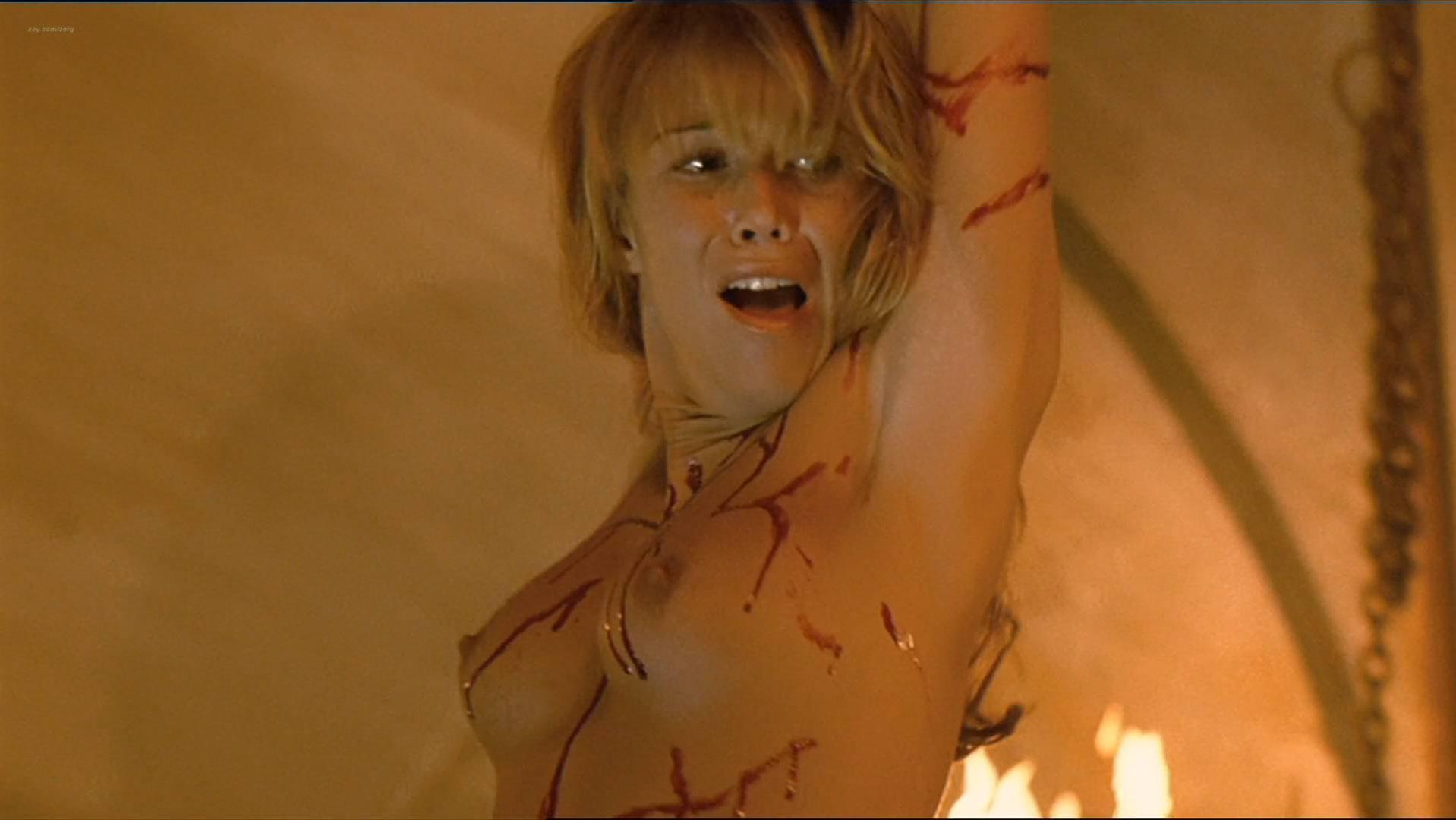 Raquel Merono nude, Macarena Gomez nude - Dagon (2001)