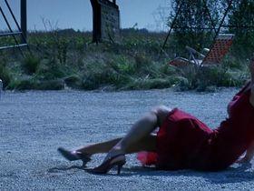 Rhona Mitra sexy - Highwaymen (2004)