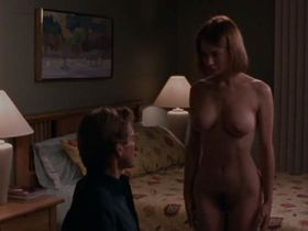 Sofia Shinas nude - The Outer Limits s01e02 (1995)
