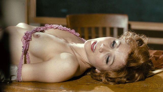 Nude scene gyllenhaal maggie