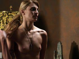 Sveva Alviti nude, Alessia Piovan nude - Cam Girls (2014)