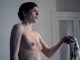 Valerie Donzelli nude - La reine des pommes (2009)