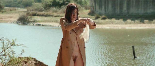 Linh dan pham nude le grand mechant loup - 3 10