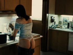Vera Farmiga nude - Running Scared (2006)
