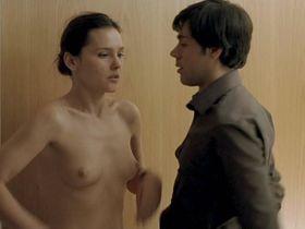 Virginie Ledoyen nude - Un baiser s'il vous plait (2007)