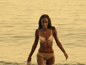 Yaima Ramos sexy - Mar De Plastico s01e07 (2015)
