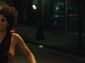 Halle Berry nude - Frankie & Alice (2010)