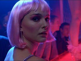 Natalie Portman sexy - Closer (2004)