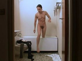 Noomi Rapace nude - Daisy Diamond (2007)