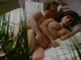 Serena Grandi nude - Desiderando Giulia (1986)