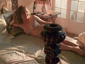 Capucine Delaby nude - Gerry (2011)