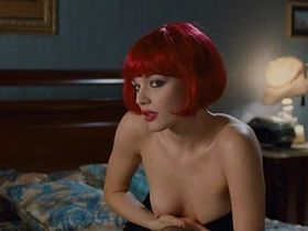 Laura Chiatti nude - Io Loro e Lara (2009)