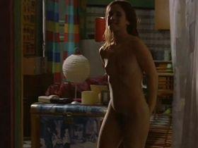 Marta Etura nude - La Vida Di Nadie (2002)