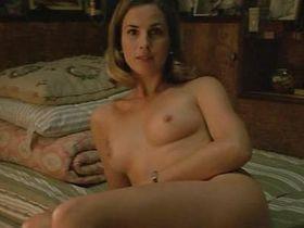 Sandra Majani nude - Le parfum d'Yvonne (1994)