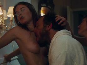 Camille Rowe nude, Josephine de La Baume nude - Notre jour viendra (2010)