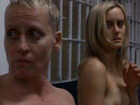 Taylor Schilling nude - Orange is the New Black s02e01 (2014)