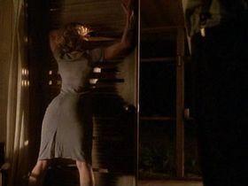 Elisabeth Shue sexy - Palmetto (1998)