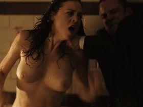 Leonor Watling nude - Pelicula para no dormir: La habitacion del nino (2006)