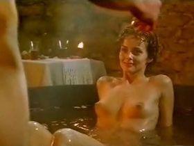 Izabella Scorupco nude, Erika Hoghede nude - Petri tarar (1995)