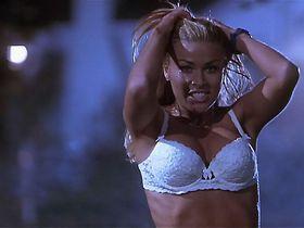 Anna Faris sexy, Carmen Electra sexy, Shannon Elizabeth sexy - Scary Movie (2000)