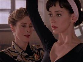 Jennifer Love Hewitt sexy - The Audrey Hepburn Story (2000)