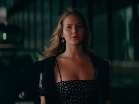 Jennifer Lawrence sexy - The Beaver (2011)