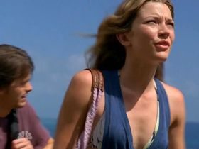 Sarah Roemer sexy, Taylor Cole sexy - The Event s01e01 (2011)