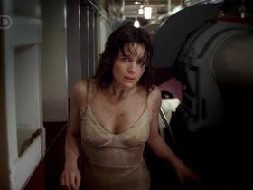 Carla Gugino sexy - Threshold s01e01 (2005)