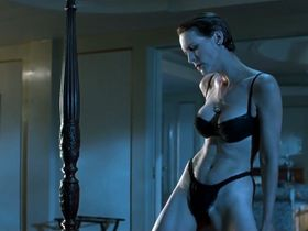 Jamie Lee Curtis sexy - True Lies (1994)