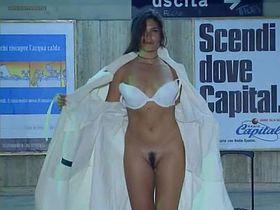 Debora Cali nude - Ultimo Metro (1999)