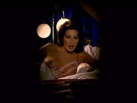 Edwige Fenech nude - Asso (1981)