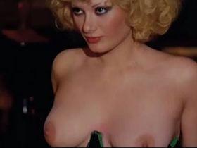 Edwige Fenech nude - Taxi Girl (1977)